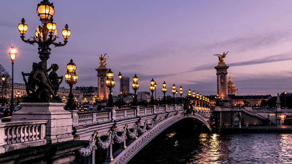 You belong to me, I belong to you and we belong in Paris